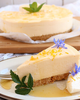 Lemon Honey Cheesecake